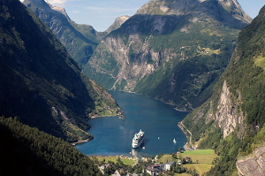 bergen to geirangerfjord road